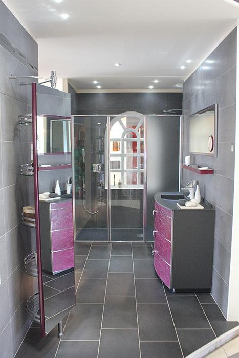 Sanitaire plomberie salle de bains vrignaud fr res for Exposition de salle de bain